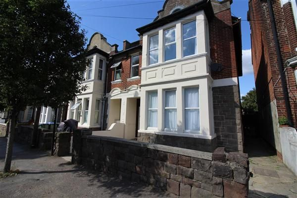 Thumbnail Semi-detached house to rent in Wilton Avenue, Southampton