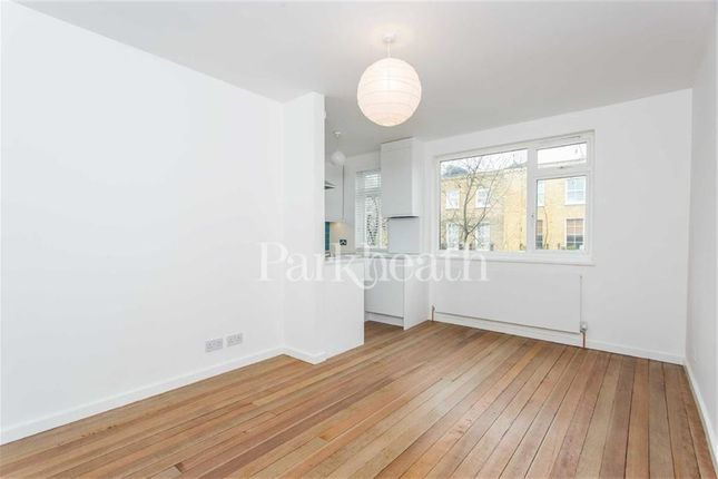 Flat to rent in Prince Of Wales Road, Kentish Town, London