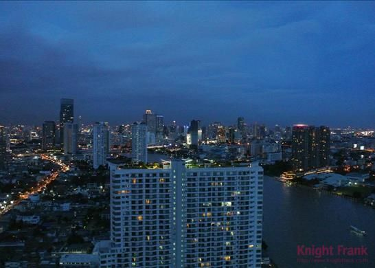 Sophisticated Living - On The Chaophraya River