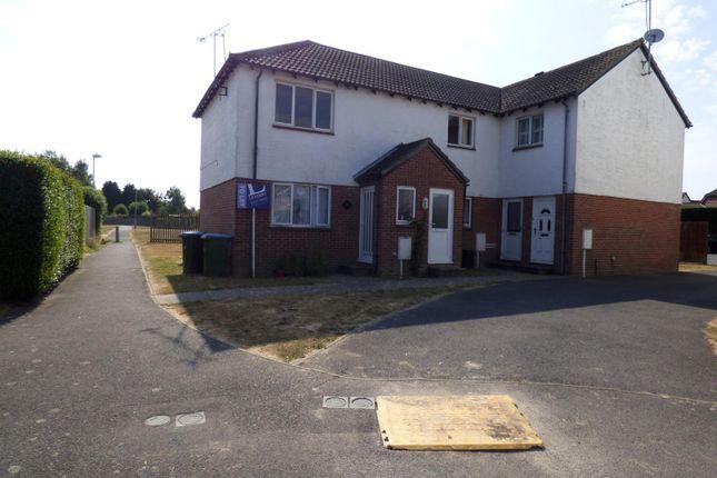 Thumbnail Flat to rent in Lanyards, Littlehampton