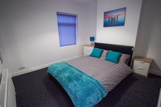 3 bed terraced house to rent in Glendale Street, Burslem ST6