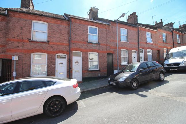 Terraced house for sale in Cambridge Street, Luton