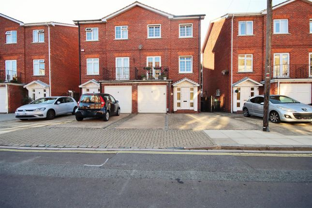 Thumbnail Town house for sale in Ashburton Road, Southsea, Portsmouth