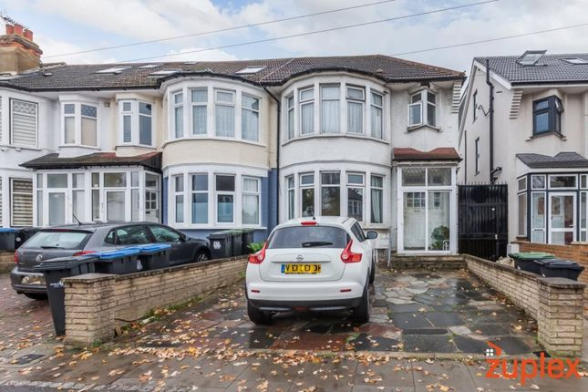 3 bed property for sale in Grenoble Gardens, London