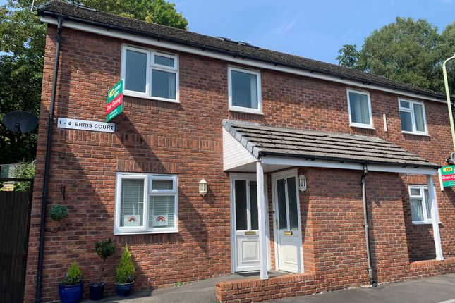 Thumbnail Flat for sale in Berw Road, Pontypridd