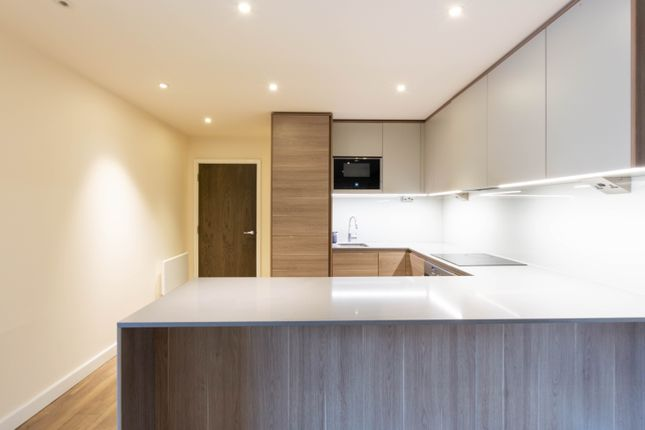 2 bed flat for sale in Beaufort Square, London NW9