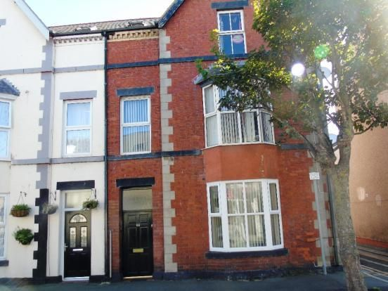 Thumbnail Flat to rent in Kinmel St, Rhyl