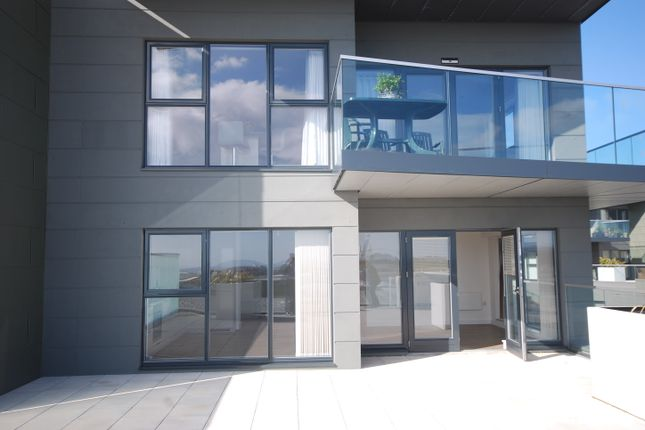 Thumbnail Flat for sale in Westmount Road, St Helier