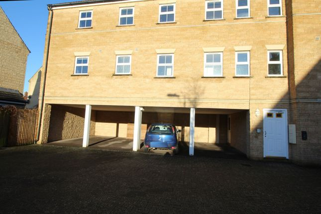 2 bed flat for sale in Grouse Road, Calne SN11