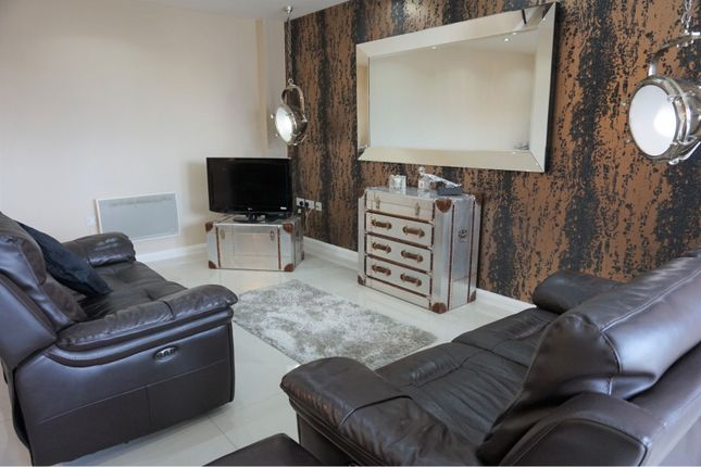 2 bed flat to rent in Churchill Way, Cardiff City Centre CF10