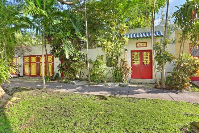 Thumbnail Property for sale in 5129 Riviera Dr, Coral Gables, Florida, United States Of America