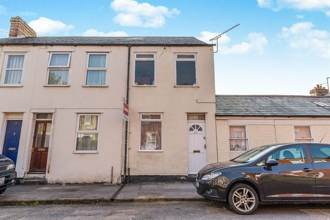 Thumbnail Terraced house for sale in Catherine Street, Oxford