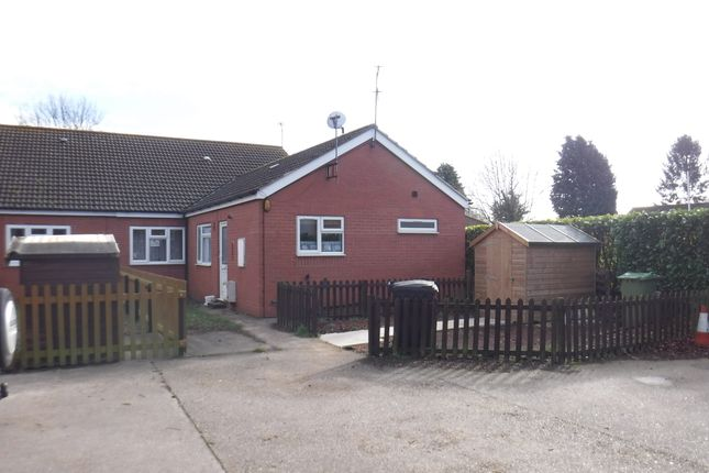 Thumbnail Terraced bungalow to rent in The Elms, Scotter, Gainsborough