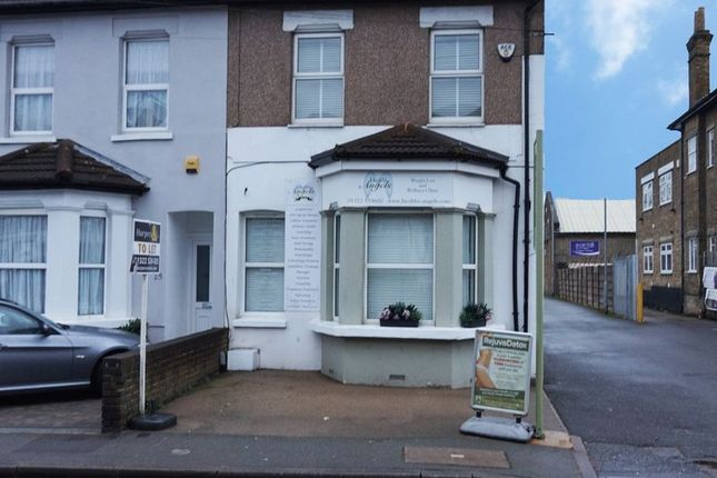 1 bed flat to rent in Bourne Parade, Bourne Road, Bexley DA5