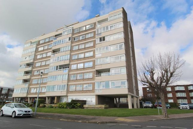 Thumbnail Flat to rent in Kings House, The Esplanade, Frinton On Sea