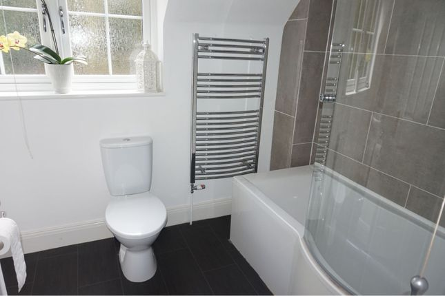 Bathroom of Home Farm Close, Kelham NG23