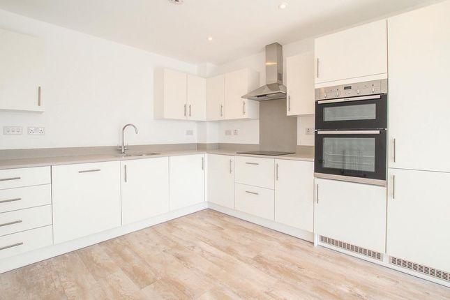 Kitchen of Portside Street, Nottingham NG2