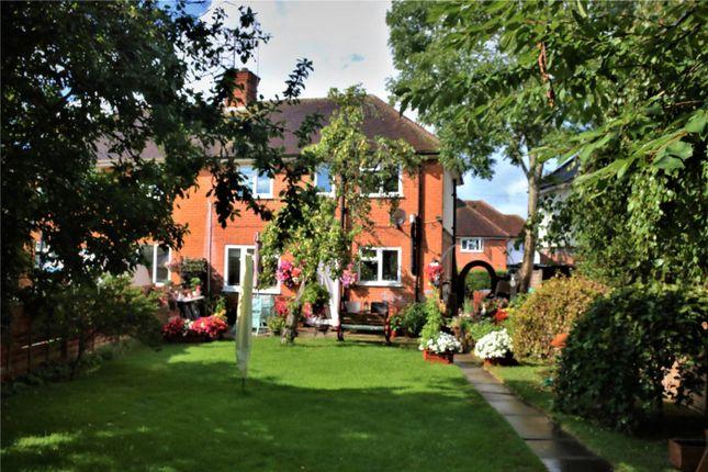 Picture No. 02 of Lamerton Road, Reading, Berkshire RG2