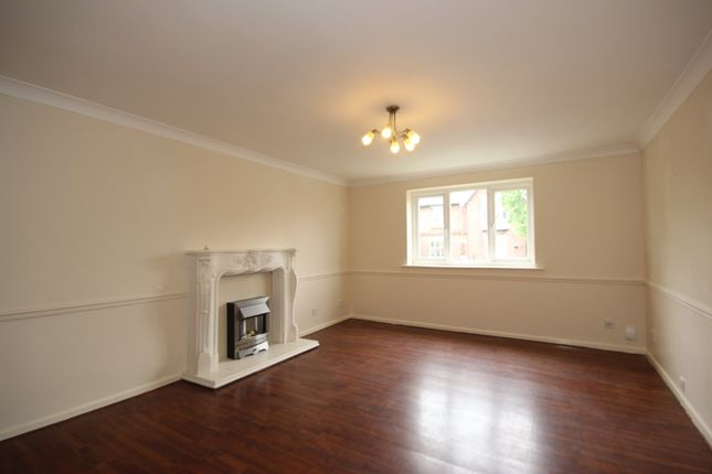 Flat to rent in Cranford House, Half Edge Lane, Monton, Manchester