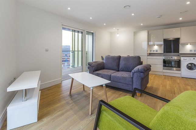 Thumbnail Flat to rent in 4 Tilston Bright Square, London