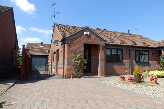 Thumbnail Bungalow to rent in Stable Walk, Nuneaton