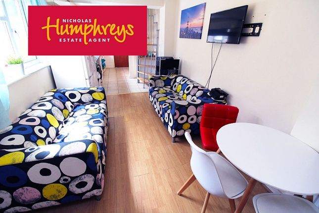 Room to rent in Forster Road, Inner Avenue