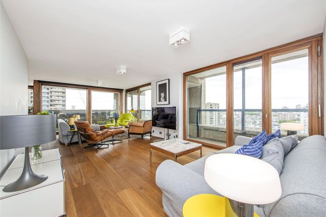 Thumbnail Flat to rent in Shakespeare Tower, Barbican, London