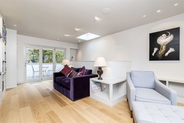 Thumbnail Property for sale in Rembrandt Close, London