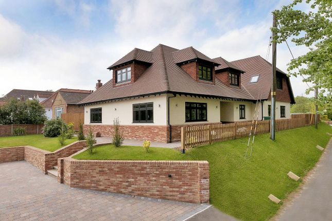 Thumbnail Detached house for sale in London Road, Addington, West Malling