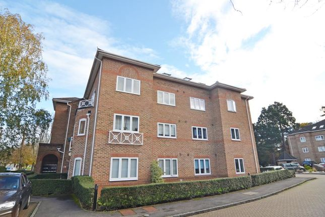 1 bed flat to rent in Trematon Place, Teddington TW11