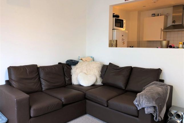 Thumbnail Property to rent in West Craven Street, Salford