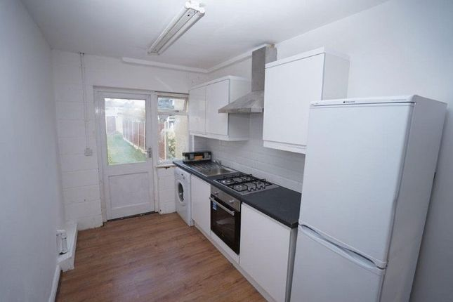 Photo 6 of Birch Crescent, Hornchurch RM11