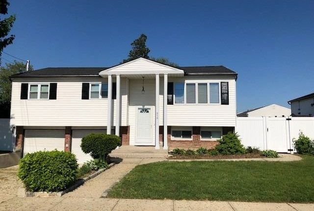 Thumbnail Property for sale in N. Massapequa, Long Island, 11758, United States Of America