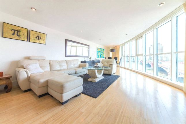 Thumbnail Property for sale in Bridge House, St George Wharf, Vauxhall, London