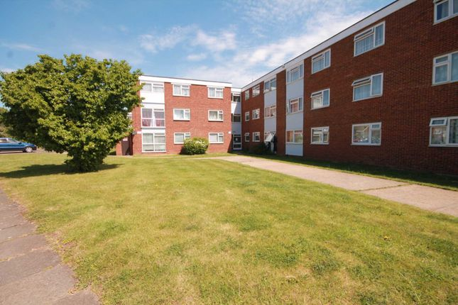Thumbnail Flat to rent in Wessex Drive, Erith