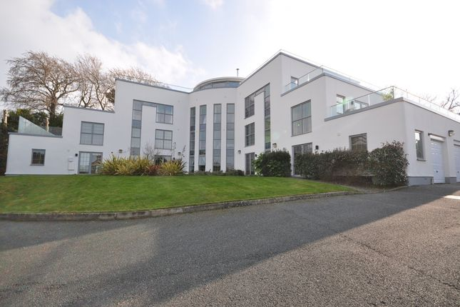 Thumbnail Flat to rent in Cambridge Road, East Cowes