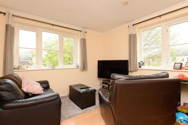 Living Area of Willoughby Court, St Johns Lane, Canterbury CT1
