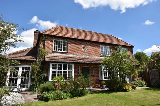 Thumbnail Detached house for sale in London Road, Marlborough