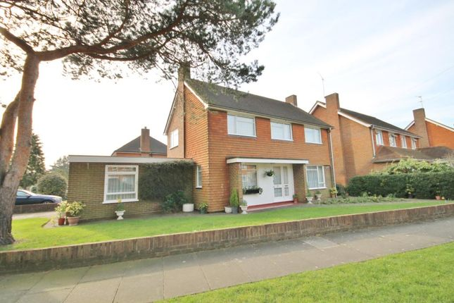Thumbnail Detached house for sale in Broomfield, Lower Sunbury