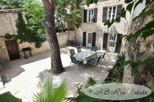 6 bed property for sale in 34500 Beziers, France