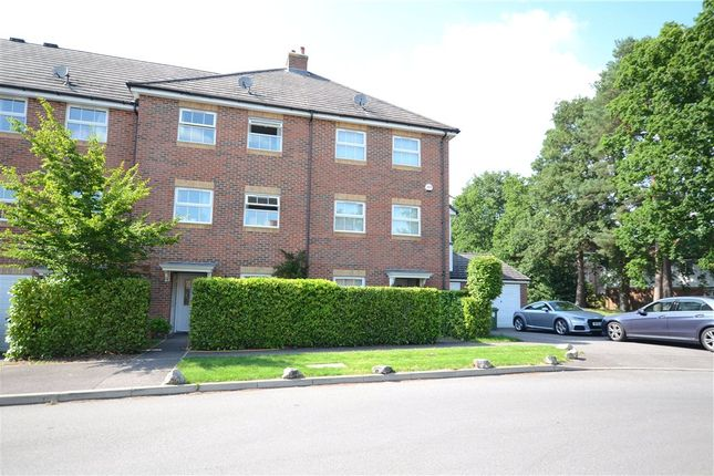 Thumbnail Terraced house for sale in Maple Avenue, Farnborough, Hampshire