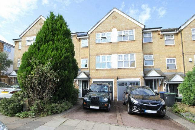 Thumbnail Town house to rent in Vicars Moor Lane, London