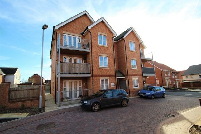 Thumbnail Flat to rent in Albert Way, East Cowes