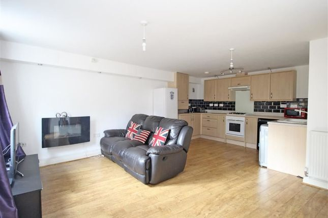 Thumbnail Flat for sale in Echo Crescent, Manadon Park, Plymouth