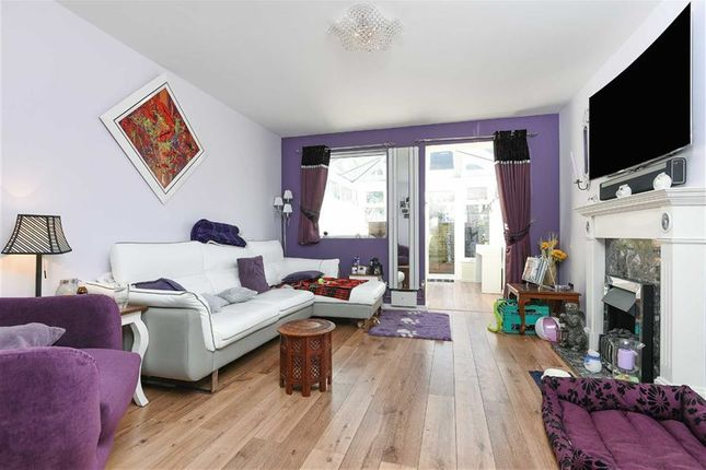Terraced house to rent in Usk Road, London