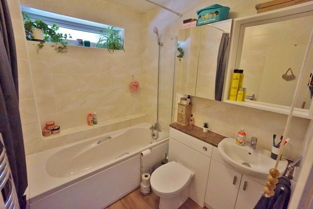 Bathroom of Albany Road, Preston, Paignton TQ3