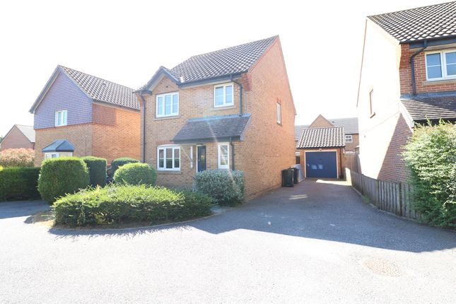 Thumbnail Detached house to rent in Wood Lane, Ashford