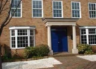 Serviced office to let in Thames Street, Weybridge