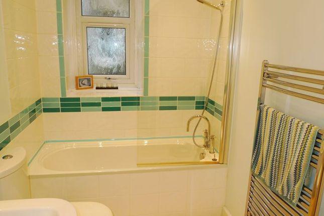 Bathroom of Ava Street, Kirkcaldy KY1