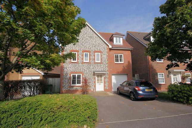 6 bed detached house for sale in Metcalfe Avenue, Stubbington, Fareham